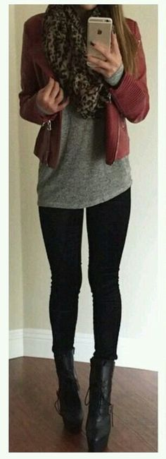 Put together but still comfy and casual - great date night outfit!