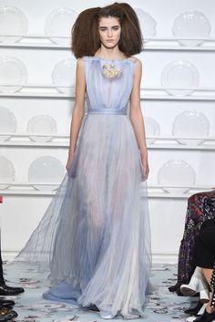 2016春夏オートクチュールコレクション - スキャパレリ(SCHIAPARELLI)ランウェイ コレクション(ファッションショー) VOGUE JAPAN