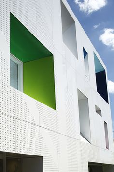 Image 1 of 29 from gallery of Sugamo Shinkin Bank, Tokiwadai Branch / Emmanuelle Moureaux Architecture + Design. Photograph by Nacasa & Partners Inc. Architecture Design, Minimalist Architecture, Facade Design, School Architecture, White Branches, Banks Building, Building Facade, Building Design, Metal Facade