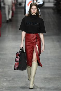 Trussardi Fall 2018 Ready-to-Wear Fashion Show Collection
