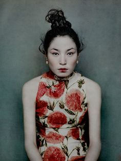 New on ArtisticMoods.com - the slightly awkward & amazingly elegant portraits by Billy und Hells.