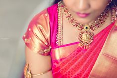 25 Favourite Jewellery Inspirations Given By Real Brides In How To Choose Indian Bridal Jewellery South Indian Bridal Jewellery, Indian Wedding Jewelry, Bridal Jewelry, Hair Jewellery, Indian Jewelry, Flower Costume, Long Pearl Necklaces, South Indian Bride, Gold Jewellery Design