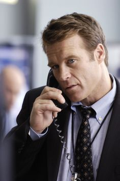 Mark Valley as John Scott sets it all off in Fringe Mark Valley, Human Target, John Scott, Interesting Faces, Documentaries, Tv Shows, Celebrities, Image, Handsome