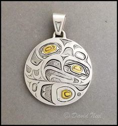 Eagle pendant in silver and gold, by David Neel - Kwakiutl.