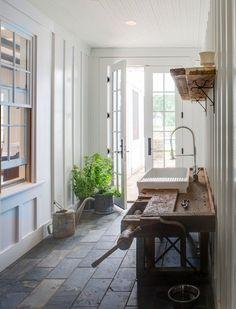 Mud/potting room