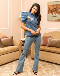 Samantha Samantha Images, Samantha Ruth, Celebrity Wallpapers, Cute Creatures, Bell Bottom Jeans, Beautiful Women, Actresses, Indian, Denim
