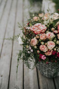 Einzigartiges Ambiente für eine Hochzeitslocation der besonderen Art. Das 4 Sterne superior Seehotel Bellevue im Salzburger Land, macht Ihren Tag unvergesslich. Zell Am See, Floral Wreath, Wreaths, Decor, Wedding Anniversary, Getting Married, Marriage, Flower Crowns