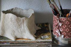 planter no plant Tree Bark, Art School, Plant, Ceramics, My Style, How To Make, Ceramica, Pottery, Ceramic Art