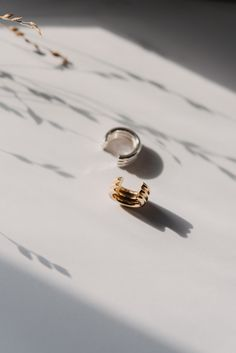 Hand - made of three gold wires or gold plated 925 sterling silver wires width: size can vary, but high is approximately mm the. Gold Wire, Solid Gold, Gold Rings, This Is Us, Pearl Earrings, Sterling Silver, Ears, Shape, Jewelry