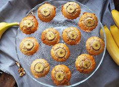 Briose cu banane si nuca Romanian Desserts, 20 Min, Baby Food Recipes, Deserts, Goodies, Meals, Breakfast, Baby Foods, Muffins