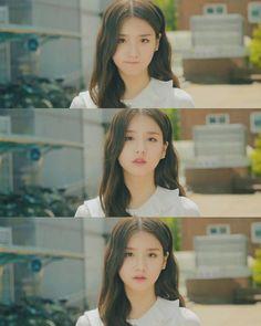 "HEEJIN LOONA on Instagram: ""@loonatheworld •♡• #LOOΠΔ ━━━━━━━❀✿❀━━━━━━━ 「SCREENCAP」┆ 우리처음만났을때기억나 S1 EP 5 ┆ⓒ jeonheejinloona ┆ I honestly jealous with actor Choi Daesu…"" Sooyoung, Cute Korean, Korean Girl, Kpop Girl Groups, Kpop Girls, Music Mood, Singing In The Rain, Olivia Hye, Star Sky"