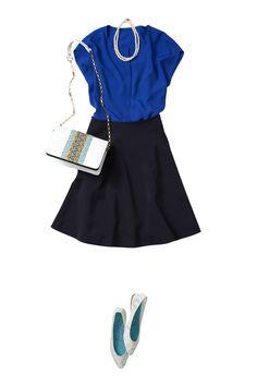万能ネイビーのフレアスカートでONもOFFも多彩に楽しむ春コーデ ― A