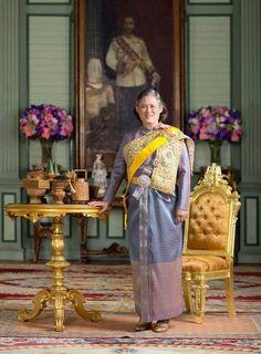 สมเด็จพระเทพ King Phumipol, King Rama 9, King Of Kings, King Queen, Thailand Princess, Thai Princess, My Princess, Queen Sirikit, Thai Traditional Dress