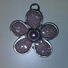 A flower pendant fitted with light purple seed beads. A simplistic and elegant piece. Metal Flowers, Flower Pendant, Light Purple, Seed Beads, Seeds, Pendants, Brooch, Elegant, Jewelry
