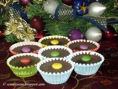 Šuhajdy s orechovou plnkou - Mňamky-Recepty. Christmas Baking, Christmas Cookies, Christmas Recipes, Czech Recipes, Russian Recipes, Mini Cupcakes, Rum, Sweet Tooth, Sweets