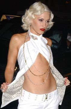 Gwen could wear a potato sack and still look amazing! It's all about the attitude ;)