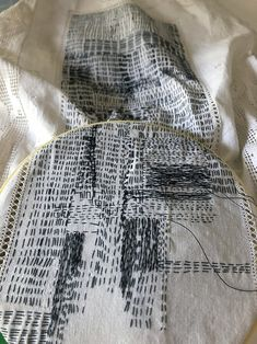 Grand Sewing Embroidery Designs At Home Ideas. Beauteous Finished Sewing Embroidery Designs At Home Ideas. Abstract Embroidery, Sashiko Embroidery, Learn Embroidery, Embroidery Art, Embroidery Stitches, Embroidery Patterns, Machine Embroidery, Textile Fiber Art, Textile Artists