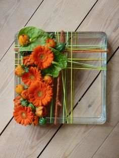 Tips On Sending The Perfect Arrangement Of Flowers – Ideas For Great Gardens Creative Flower Arrangements, Ikebana Flower Arrangement, Floral Arrangements, Deco Floral, Arte Floral, Flower Show, Flower Art, Modern Floral Design, Corporate Flowers