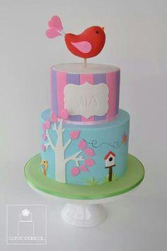 Beautiful bird themed cake