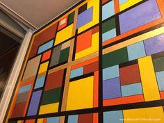 Mural at Maccheroni - Outlining the shapes...