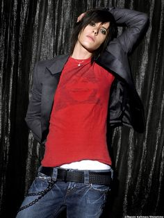Im surprised no one has really posted much of kate moennig. Kinda the epitome of androgyny