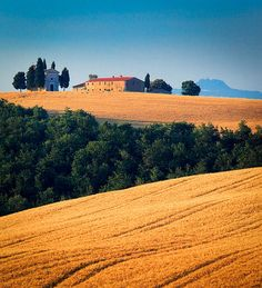 Capella di Vitaleta in Tuscany's Val d'Orcia_ Italy
