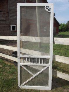 rustic farmhouse screen door / for pantry door? Ok, I've got to have a screen door. Vintage Screen Doors, Old Screen Doors, Old Doors, Rustic Farmhouse Decor, Farmhouse Chic, Country Farmhouse, Pantry Inspiration, Porch Doors, Just Dream