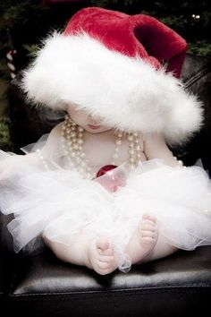 Over 40 adorable Christmas pictures will help you plan an amazing Santa Baby photo shoot. Cute Christmas Outfits, Family Christmas Pictures, Baby Girl Christmas, Babies First Christmas, Christmas Christmas, Christmas Ideas, Christmas Balloons, Santa Baby, Baby Girl Photos