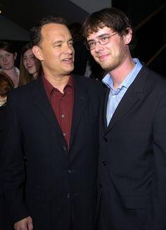 Tom Hanks with his oldest son Colin Hanks Colin Hanks, Tom Hanks, Forrest Gump, Celebrity Kids, Celebrity Pictures, Celebrity Style, Actors Male, Actors & Actresses, Toy Story