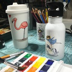 I have dipped my paintbrush  one to many times in my coffee  and drinking water  to take the risk... Do you want to support my art? check out our webbshop @sodersvala www.sodersvala.se link in bio @sodersvala Thank you water bottle and coffee mug from @sodersvala shipping worldwide