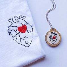 Ideas Embroidery Tshirt Sew For 2019 Embroidery Hearts, Embroidery Letters, Shirt Embroidery, Hand Embroidery Stitches, Embroidery Hoop Art, Hand Embroidery Designs, Cross Stitch Embroidery, Machine Embroidery, Ribbon Embroidery