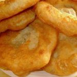 Így készül az igazi piaci lángos - Külföldi Apró Snack Recipes, Cooking Recipes, Snacks, Hungarian Recipes, Bread And Pastries, Food To Make, Bakery, Food And Drink, Sweets