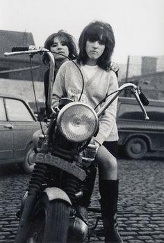 Biker girls, england 1968.