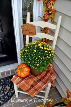 Tour 25 Fall Porches!