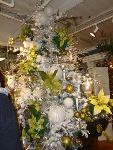 Snow and Ice Christmas tree theme, K & K Interiors AmericasMart Atlanta Christmas decorating http://www.ShowMeDecorating.com