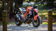 The KTM 1290 Super Duke R cannot be mistaken for an ordinary bike Duke Motorcycle, Duke Bike, Ktm Duke, Blur Image Background, Black Background Images, Picsart Background, Ktm Super Duke, Ktm Motorcycles, Mid Size Car