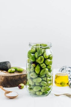 Learn how to brine olives. Not harder than pickling. Brine cured olives are way tastier than the store bought ones. Why don't you try it before fall ends? Healthy Vegetable Recipes, Fruit Recipes, Pickled Olives, Olive Brine, Italian Olives, Brine Recipe, Olive Recipes, Turkish Recipes, Gourmet