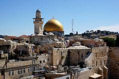 Dritter Akt: Jerusalem Jerusalem, die Hauptstadt Israels und das Zentrum dreier Weltreligionen (Judentum, Christentum und Islam) hat eine bewegte Geschichte hi