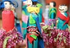 """No último radar de festas infantis, as oficinas criativas em aniversários já estavam em pauta. As atividades lúdicas que agradam pais e filhos se tornaram frequentes nas comemorações. Estimuladas por monitores com momentos decorando quitutes, fazendo arte ou brincando de estilista viraram a """"cereja do bolo"""". Tome nota das ideias da vez para elaborar um ..."""