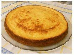 BOLO DE REQUEIJÃO DA MINHA MÃE Other Recipes, My Recipes, Sweet Recipes, Dessert Recipes, Food Wishes, Portuguese Recipes, No Bake Cake, Delish, Desert Recipes