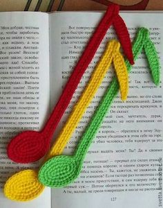 Bookmark notes crochet pattern by Zabelina Amigurumi LittleOwlsHut Handmade. Not a free pattern, but sure is cute. Crochet Music, Crochet Books, Love Crochet, Crochet Gifts, Crochet Flowers, Crochet Bookmark Pattern, Crochet Bookmarks, Handmade Bookmarks, Yarn Projects