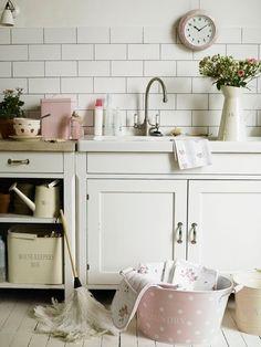 Décor de Provence: A Charming Little Laundry Room...