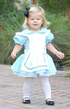 Alice in Wonderland Costume by NanaBBoutique on Etsy https://www.etsy.com/listing/158259287/alice-in-wonderland-costume