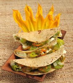 Quesadilla flor de calabaza/ Pumpkin flower quesadilla