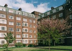 Studio flats available to rent in Kensington