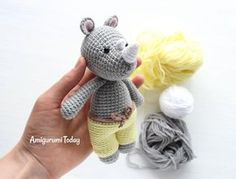 This Cuddle Me Rhino amigurumi dressed in sunny pants is the ideal friend for your little one! Crochet him today with our Cuddle Me Rhino Amigurumi Pattern! Cactus Amigurumi, Mini Amigurumi, Amigurumi Animals, Amigurumi Doll, Tutorial Amigurumi, Crochet Amigurumi Free Patterns, Crochet Animal Patterns, Crochet Dolls, Knitting Toys Easy
