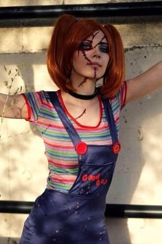 female halloween costumes Character: Chucky (Charles Lee Ray) (Rule / From: Universal Studios Childs Play / Cosplayer: Puppetsfall / Photo: Ms Bombshell (Robert Kilgore) Chucky Halloween, Chucky Costume, Halloween Costumes Women Scary, Halloween Cosplay, Costumes For Women, Cosplay Costumes, Halloween Party, Halloween Makeup, Halloween Recipe