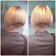 Ich liebe das Buzz nur ein bisschen zu hoch #bisschen #liebe Undercut Hairstyles Women, Edgy Haircuts, Stacked Bob Hairstyles, Short Hairstyles For Women, Summer Hairstyles, Cool Hairstyles, Shaved Bob, Shaved Hair Cuts, Shaved Nape