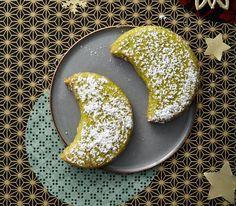 Pistazien-Monde - Gale H. Sailor Moon Cakes, Igloo Cake, Oreo Cookie Cake, Nutella, Cake Festival, German Cookies, Patterned Cake, Cake Packaging, Custard Filling