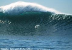 THE wave : Belharra reef et pourtant ça se passe en France, au large, entre St Jean de Luz et Handaye, avec 15 mètres de fond !